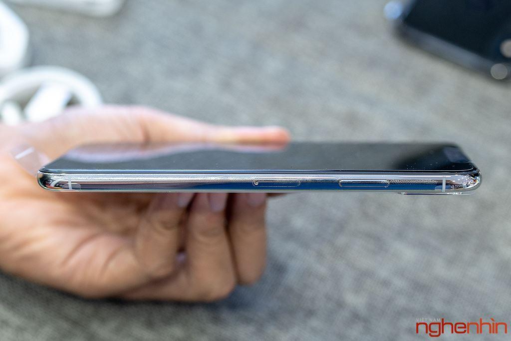 Cận cảnh iPhone XS Max 256GB đầu tiên về Việt Nam trong đêm trước ngày mở bán, giá 68 triệu đồng ảnh 7