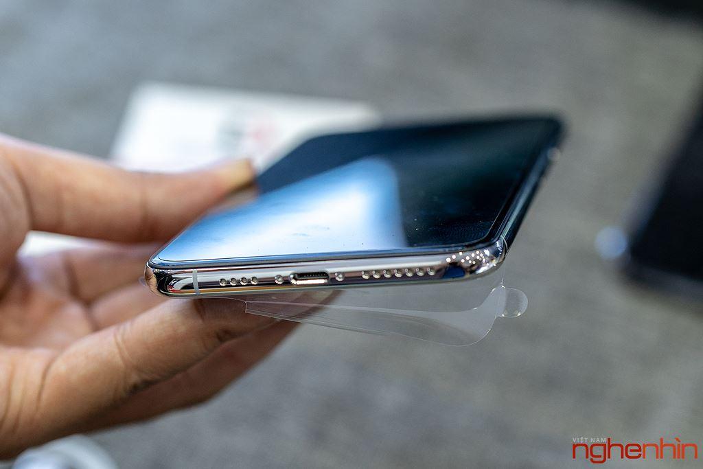 Cận cảnh iPhone XS Max 256GB đầu tiên về Việt Nam trong đêm trước ngày mở bán, giá 68 triệu đồng ảnh 8