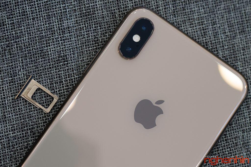 Cận cảnh iPhone XS Max 256GB đầu tiên về Việt Nam trong đêm trước ngày mở bán, giá 68 triệu đồng ảnh 14
