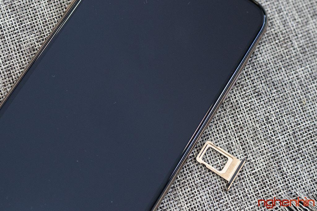 Cận cảnh iPhone XS Max 256GB đầu tiên về Việt Nam trong đêm trước ngày mở bán, giá 68 triệu đồng ảnh 15
