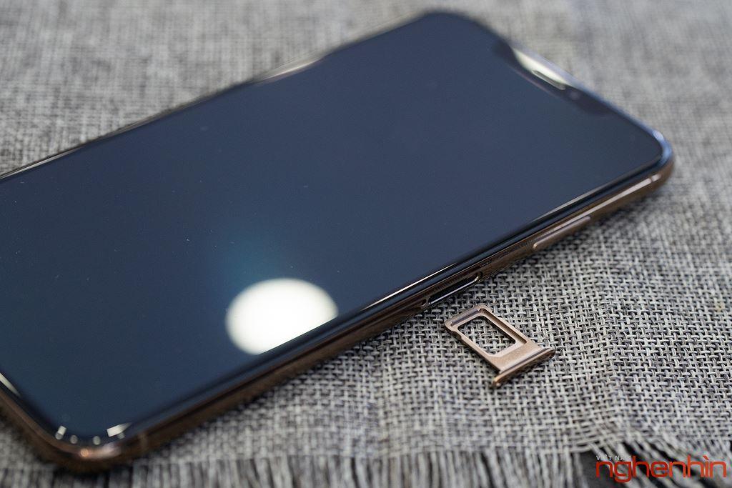 Cận cảnh iPhone XS Max 256GB đầu tiên về Việt Nam trong đêm trước ngày mở bán, giá 68 triệu đồng ảnh 16