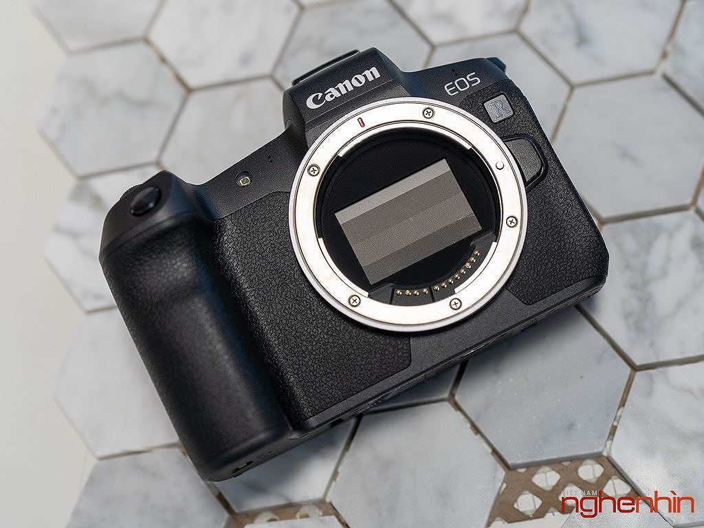 Canon EOS R có giá bán tại Việt Nam: 55 triệu đồng cho thân máy ảnh 1