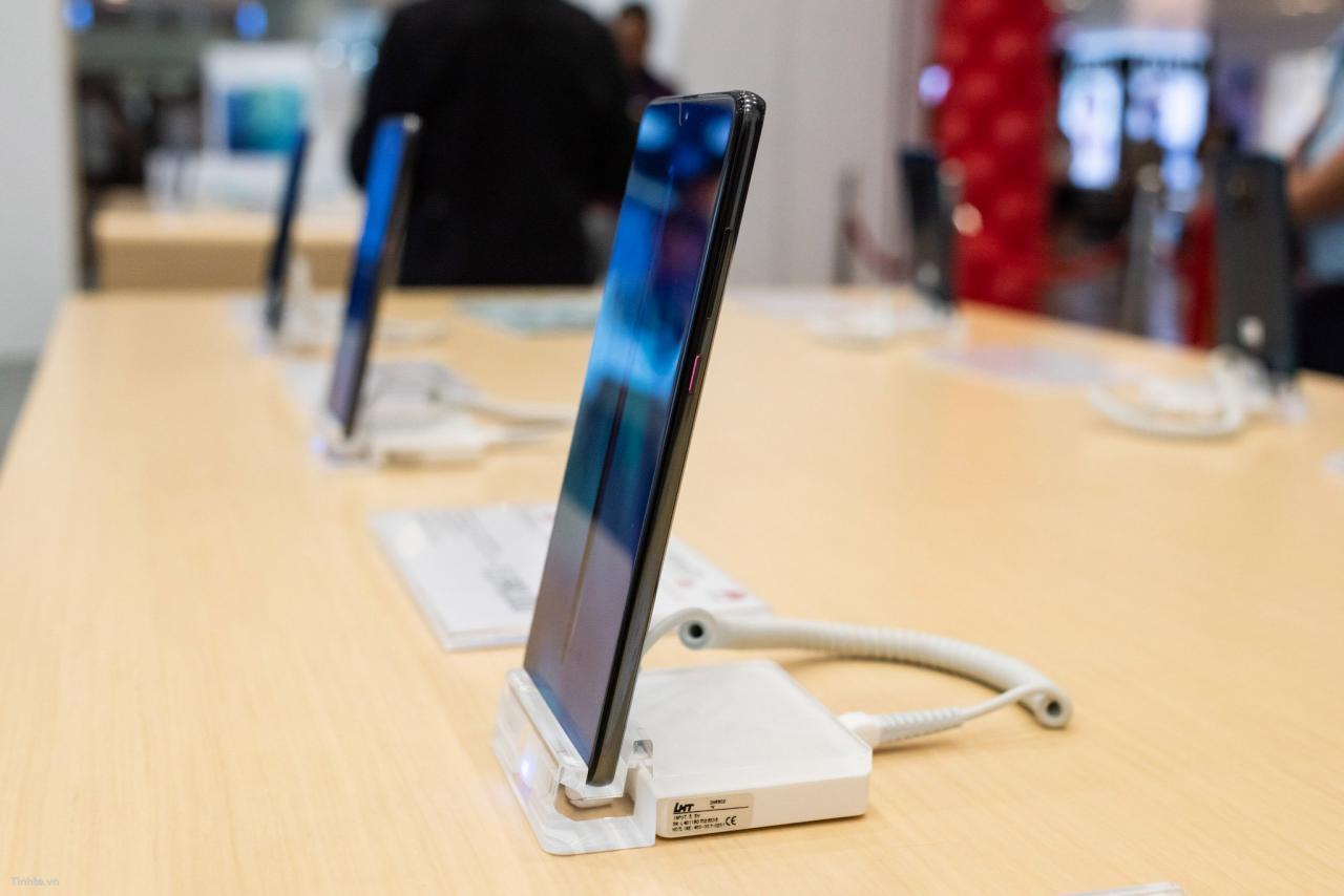Đang tải Tinhte.vn_Huawei-12.jpg…