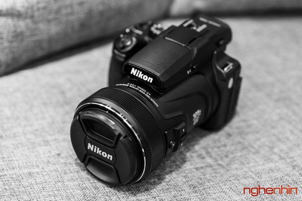 Mở hộp máy ảnh siêu zoom Nikon Coolpix P1000: dải zoom 24-3000mm, quay phim 4K ảnh 1