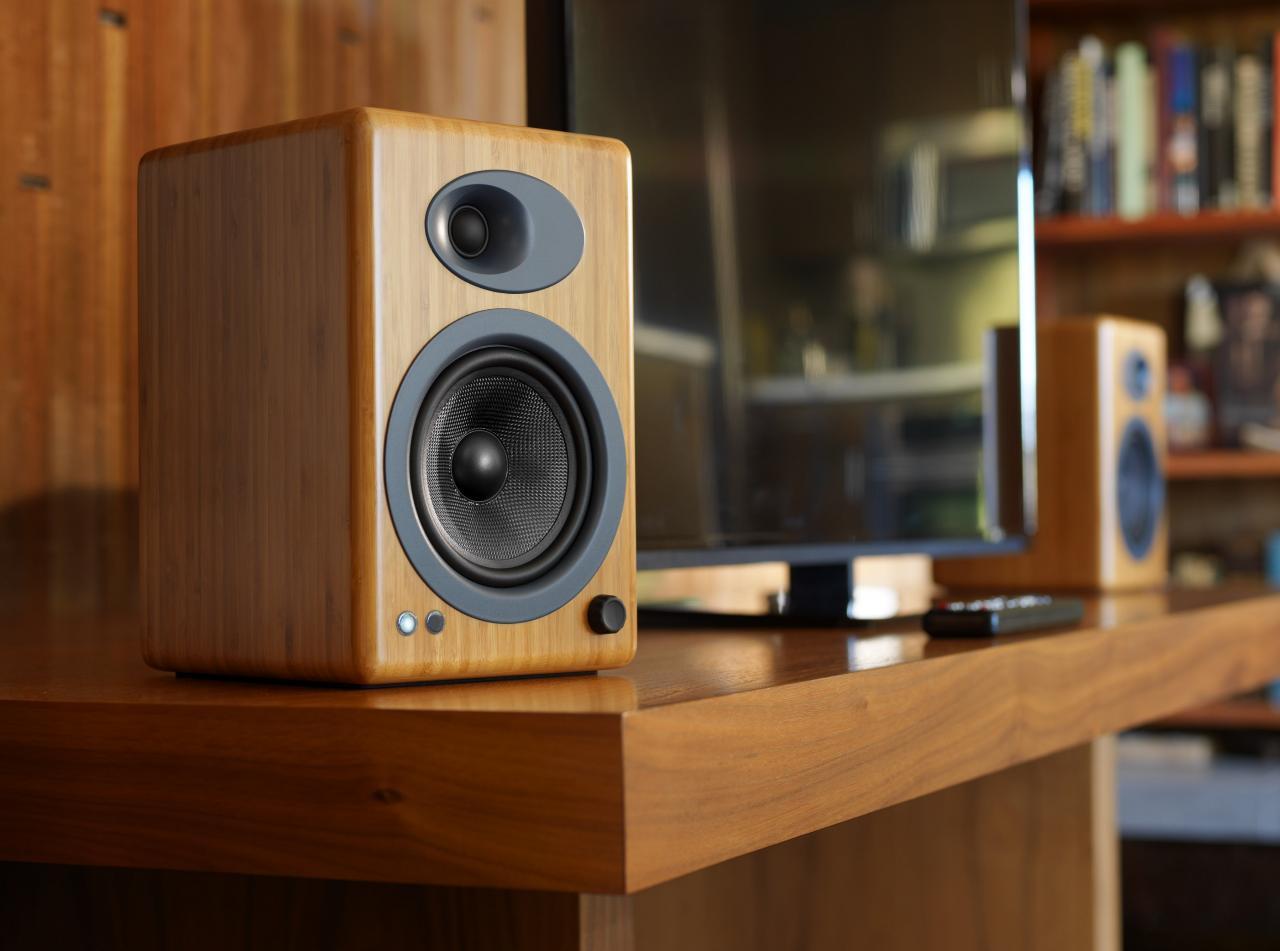 Đang tải tinhte_audio_engine_A5-Classic-lifestyle-1.jpg…