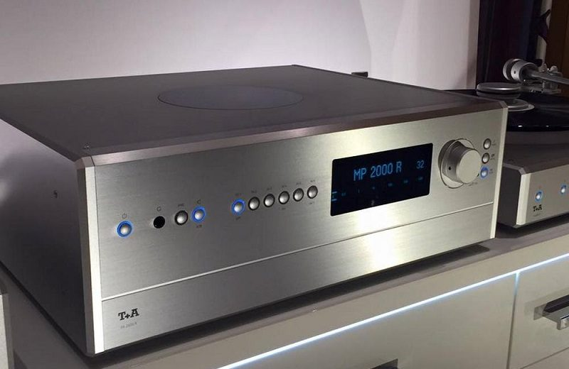 Tín hiệu âm thanh hiệu suất cao của ampli T+A PA 2500 R