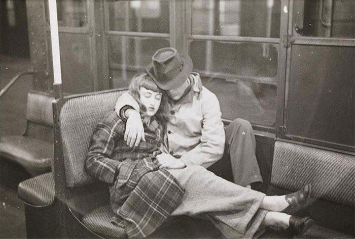 Đang tải 59ad11118e41c-vintage-photographs-new-york-street-life-stanley-kubrick-9-59a94f90076de__700.jpg…