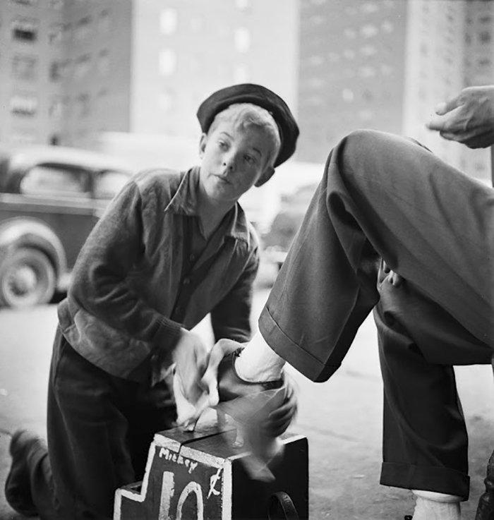 Đang tải 59ad11121aafa-vintage-photographs-new-york-street-life-stanley-kubrick-59a925d883b2d__700.jpg…
