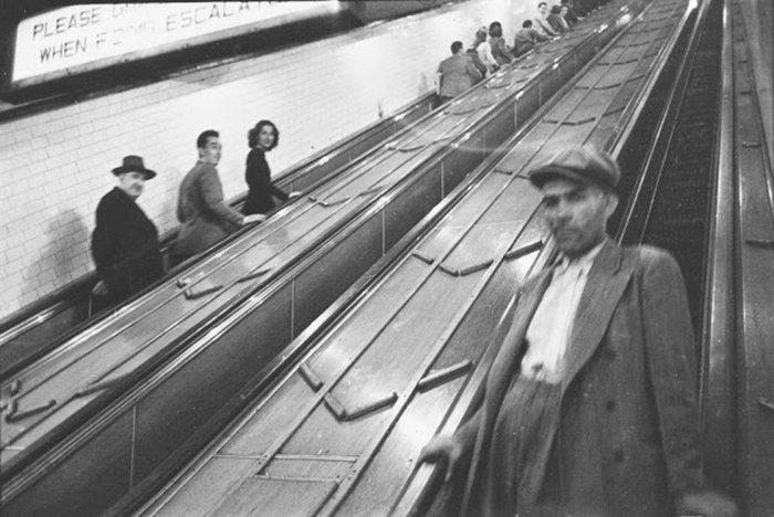 Đang tải 59ad1112d552d-vintage-photographs-new-york-street-life-stanley-kubrick-59a91e1f65744__700.jpg…