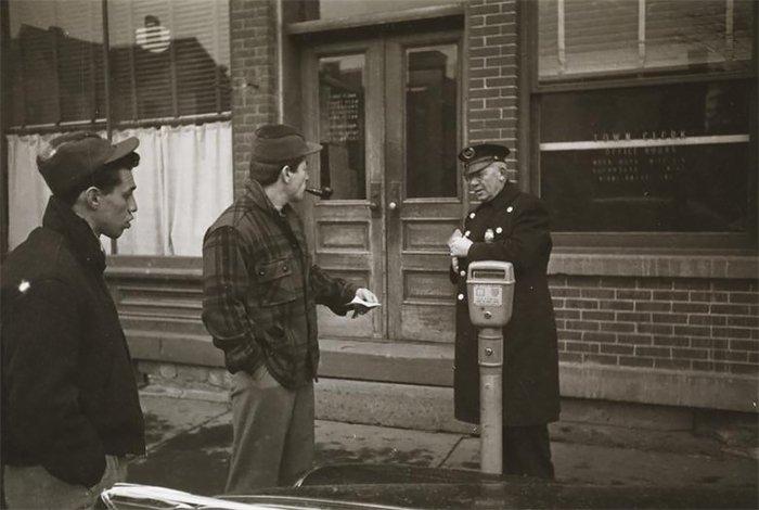 Đang tải 59ad111c53d0b-vintage-photographs-new-york-street-life-stanley-kubrick-03-59a94323aed99__700.jpg…