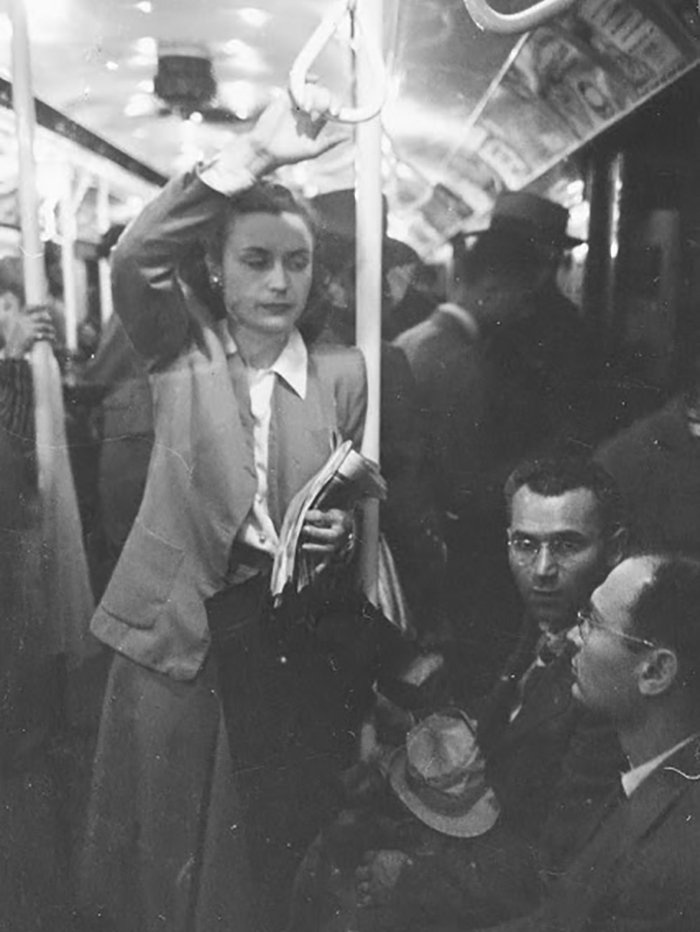 Đang tải 59ad111cec3c3-vintage-photographs-new-york-street-life-stanley-kubrick-22-59a91d17e41cf__700.jpg…