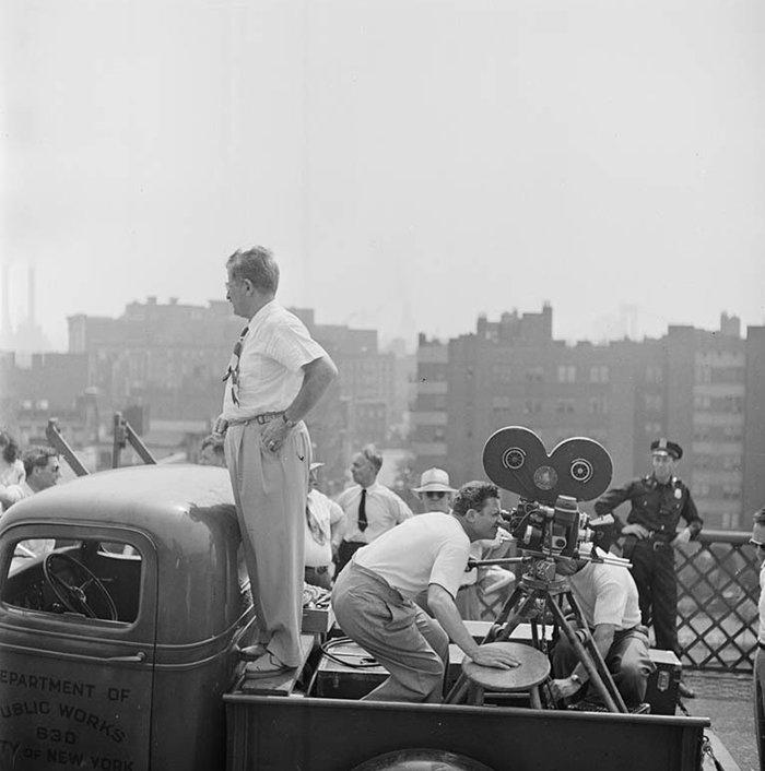 Đang tải 59ad1117da328-vintage-photographs-new-york-street-life-stanley-kubrick-59a9240069444__700.jpg…
