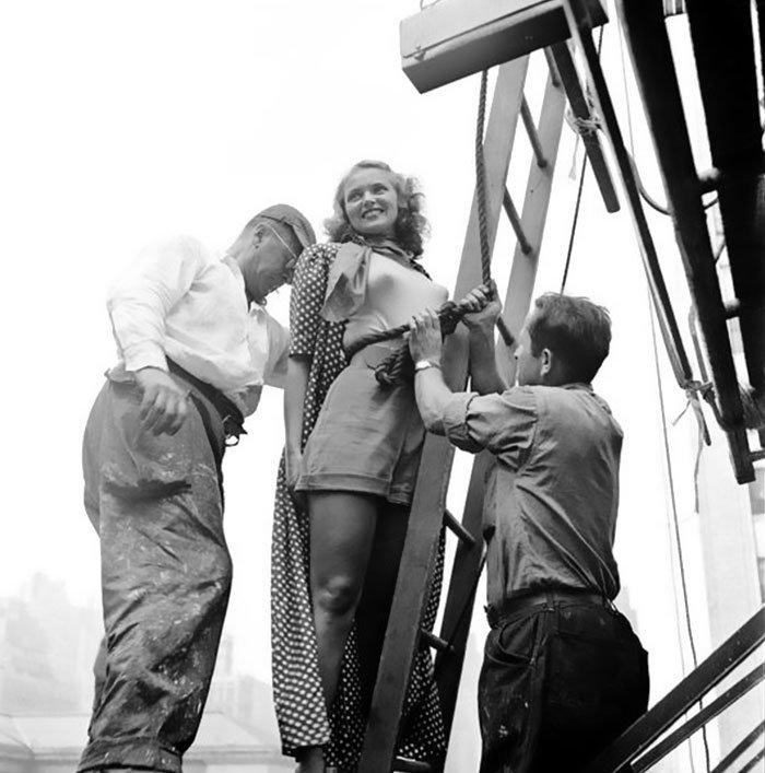 Đang tải 59ad111788234-Vintage-Photographs-New-York-Street-Life-Stanley-Kubrick-105-59a948486f66e__700.jpg…