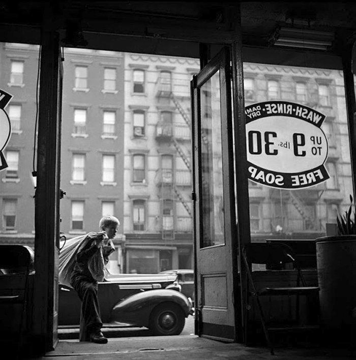 Đang tải 59ad111851e49-vintage-photographs-new-york-street-life-stanley-kubrick-59a91f368bb06__700.jpg…