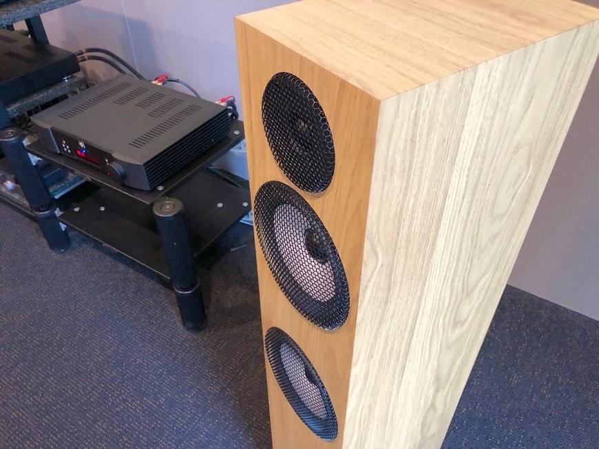 Loa Pylon Audio Ruby 25 MKII tot