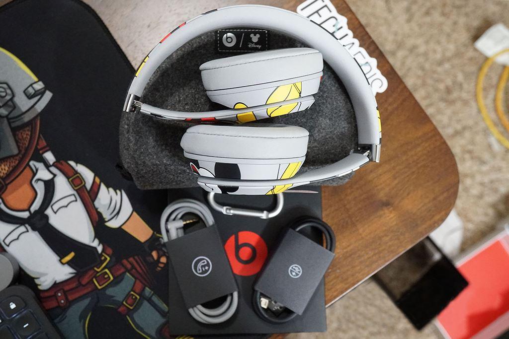 Beats hợp tác Aston Martin tạo nên Studio3 phiên bản siêu hiếm dành cho tay đua ảnh 8