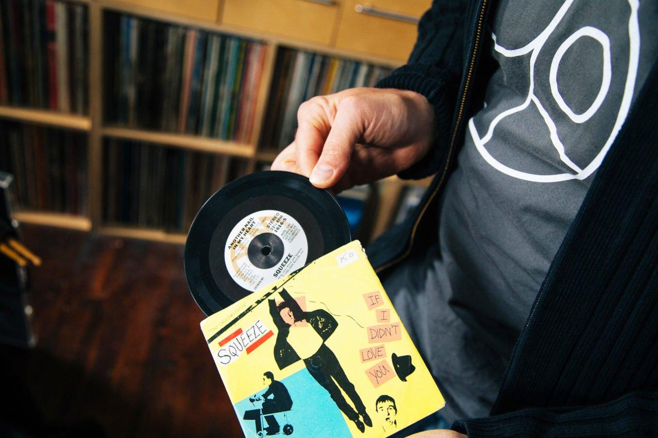 Đang tải tinhte-odd-size-vinyl-4.jpg…