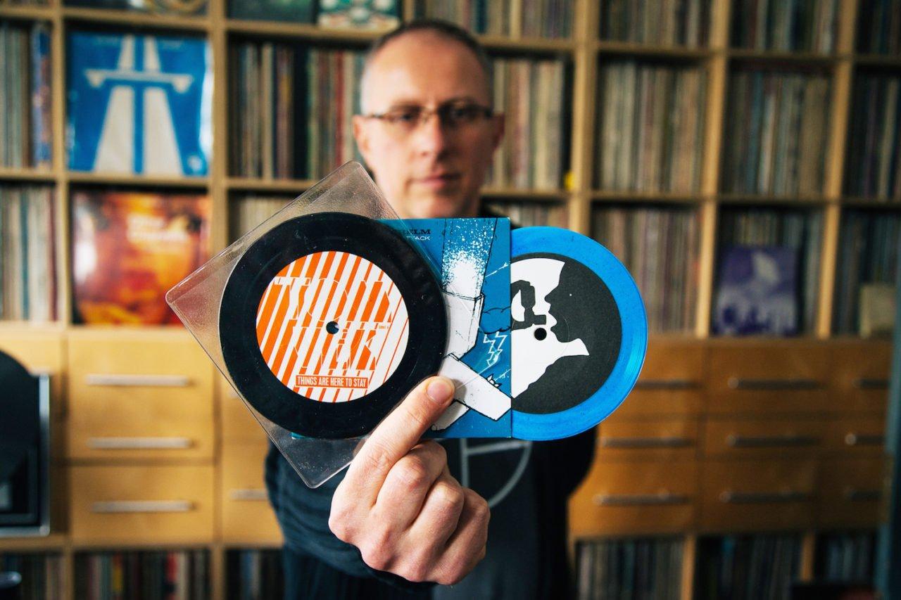 Đang tải tinhte-odd-size-vinyl-7.jpg…