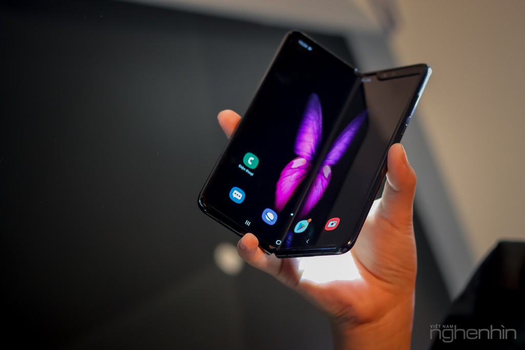 Siêu phẩm Samsung Galaxy Fold smartphone màn hình gập ra mắt người dùng Việt giá 50 triệu ảnh 14