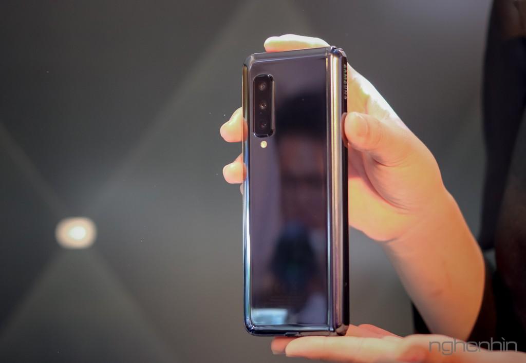 Siêu phẩm Samsung Galaxy Fold smartphone màn hình gập ra mắt người dùng Việt giá 50 triệu ảnh 15