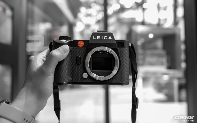Trên tay máy ảnh không gương lật'dành cho 1% dân số' Leica SL2: Thiết kế sang, cảm biến 47MP, giá gần 160 triệu đồng