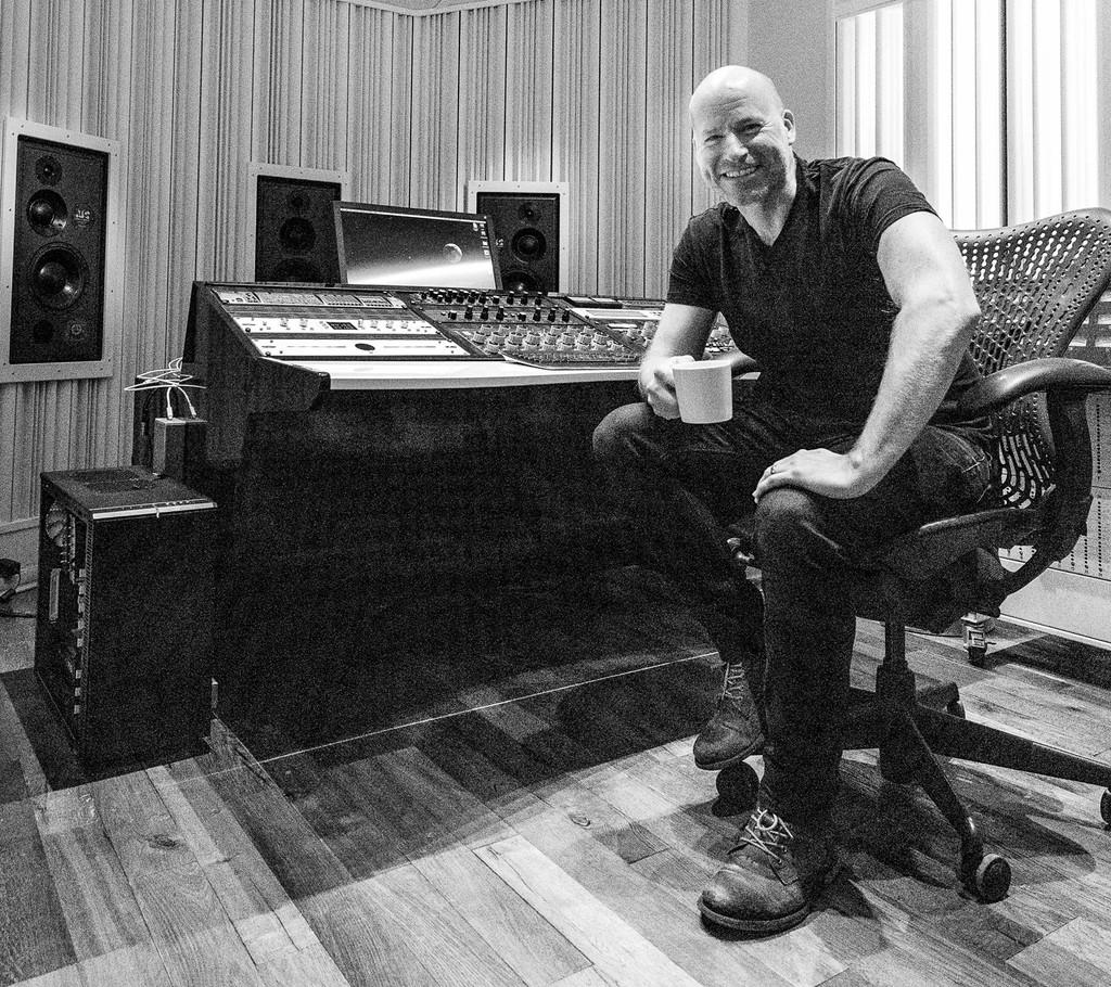 Không phải đĩa Vol.6 như audiophile mong đợi, album tiếp theo của DALI có tên The Velvet Blues ảnh 3