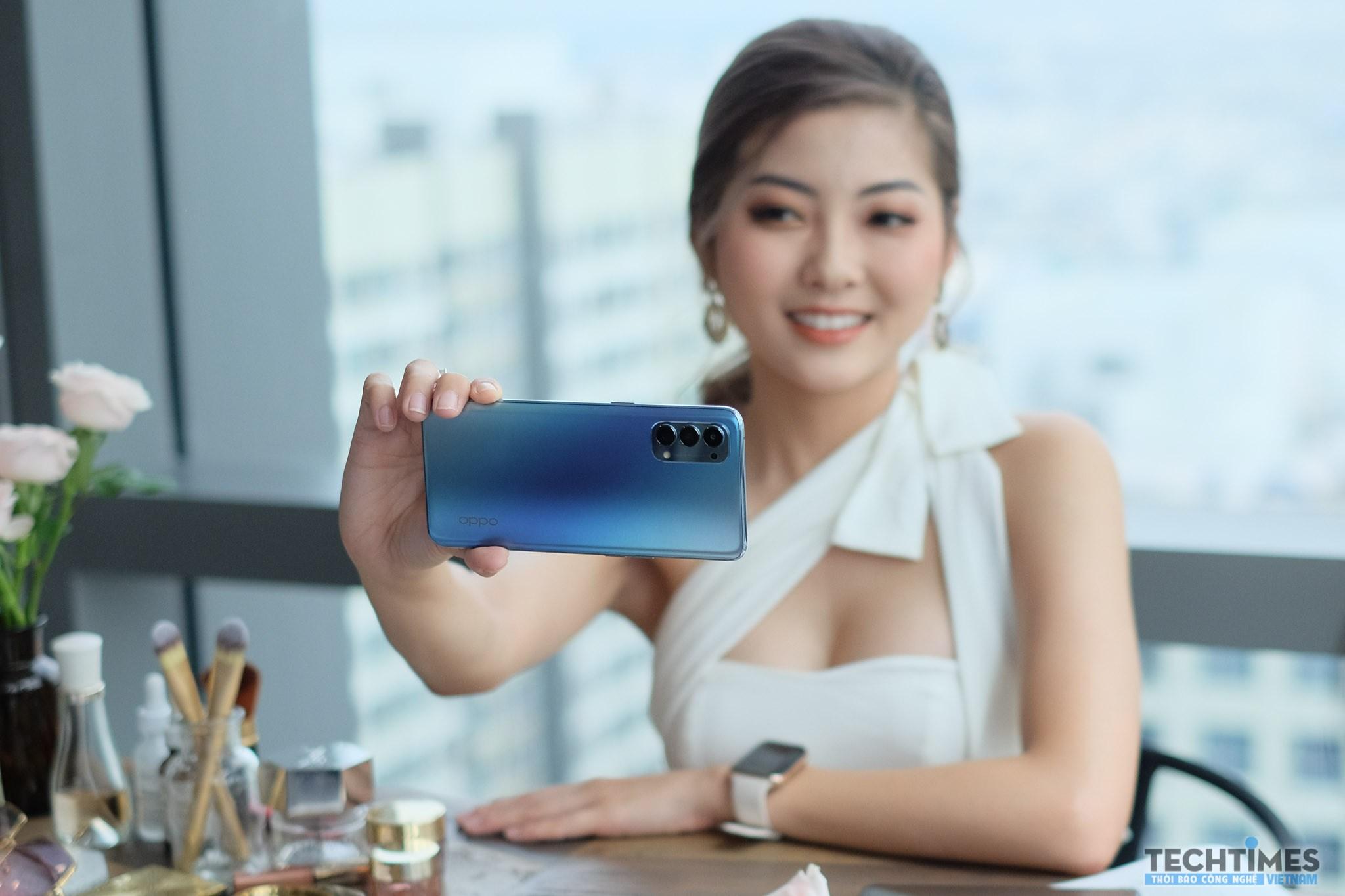 Trên tay Oppo Reno4: Thiết kế mặt lưng thời trang, Snapdragon 765G