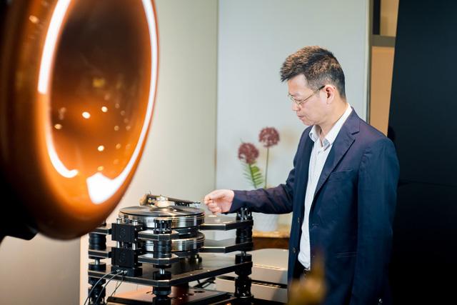 Hoài niệm xưa cũ, dân chơi Hà thành chi 2 tỷ đồng sắm máy hát đĩa than nghe nhạc - Ảnh 3.
