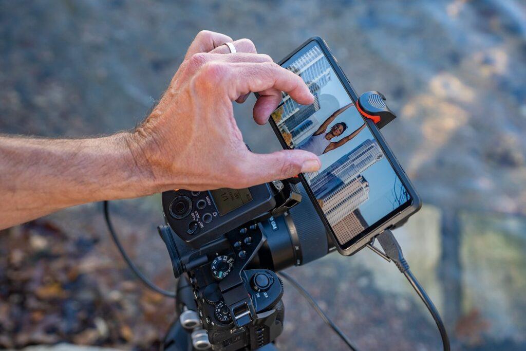 """Sony Xperia Pro chính thức: """"Smartphone"""" 5G kiêm màn hình livestream 4K giá 60 triệu đồng"""