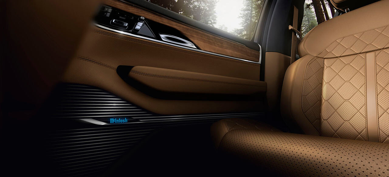 2022-jeep-grand-wagoneer-170-1615402075.jpg